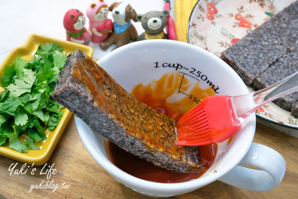 【花生粉豬血糕】古早味台灣夜市美食只要電鍋就可完成! - yukiblog.tw