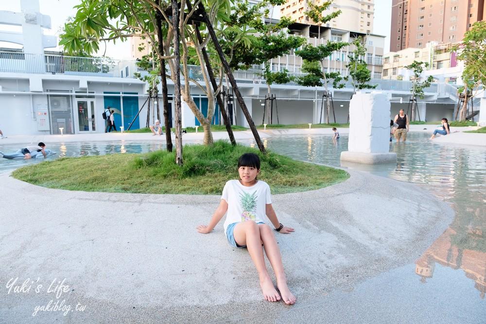 台南免費親子景點【河樂廣場】親水廣場、沖洗間、約會賞夜景~台南一日遊必訪 - yukiblog.tw