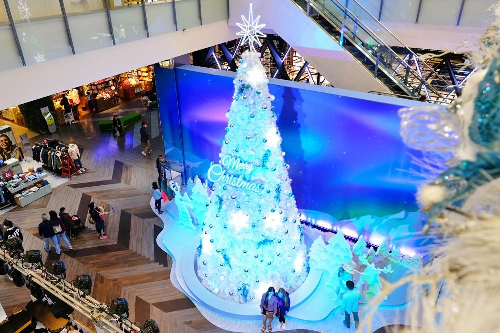 2020桃园台茂耶诞嘉年华》2层楼高圣诞树下雪极光秀!吃喝玩乐亲子游就来这里! - yukiblog.tw