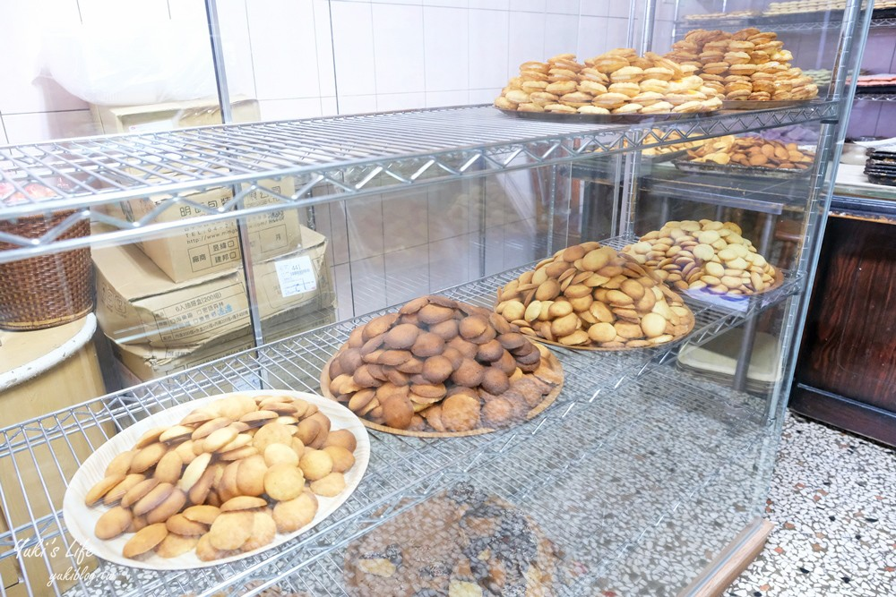 繽紛台式馬卡龍打卡櫥窗太誇張『惠豐麵包店』比臉大馬卡龍真的沒吃過! - yukiblog.tw