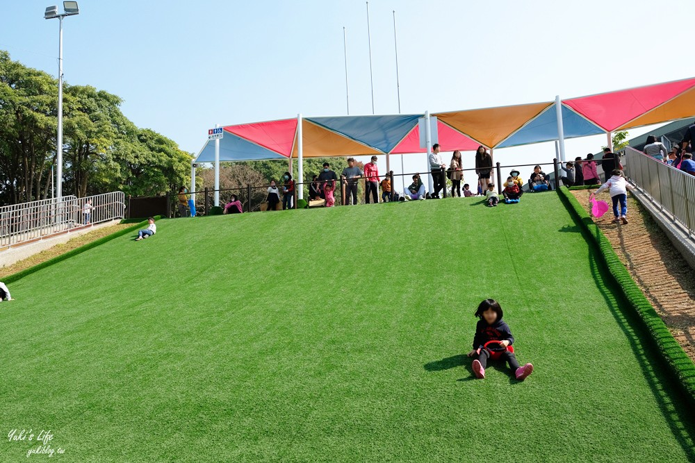 嘉義親子景點》新!KANO園區星光溜滑梯+滑草場!還有巨型球棒、火箭堡壘溜滑梯 - yukiblog.tw