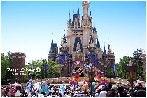 [08东京假期]*C54 Tokyo Disney 25周年庆迎宾秀(有影片) & 周边布置 - yukiblog.tw
