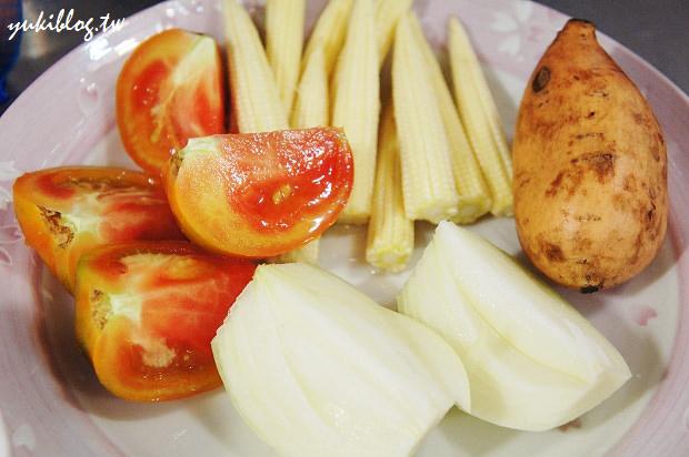 [試用]*愛的副食品12M+ ~ 蕃茄玉米地瓜雞肉全餐 & 鴻禧菇鱈魚泥 & 寶寶健康蒸蛋糕 & 葡萄冰沙 (出動飛利浦HR1364手持攪拌器) - yukiblog.tw