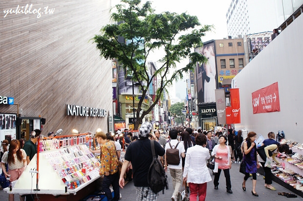 [2011韓國‧首爾行2+1]*8*明洞逛街初體驗‧保養品、衣飾全包了‧路邊小吃真美味  & Mini Stop買消夜 - yukiblog.tw