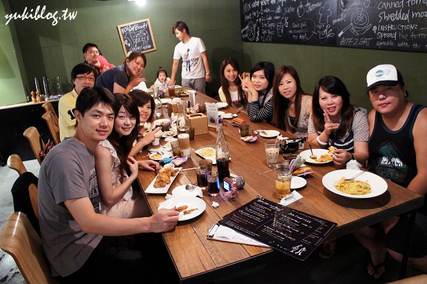 [Y家族‧高雄场聚会]*高雄左营‧薄多义Bite 2 Eat(富民店) ~ 其实两只古鏙小朋友才是主角呀! - yukiblog.tw