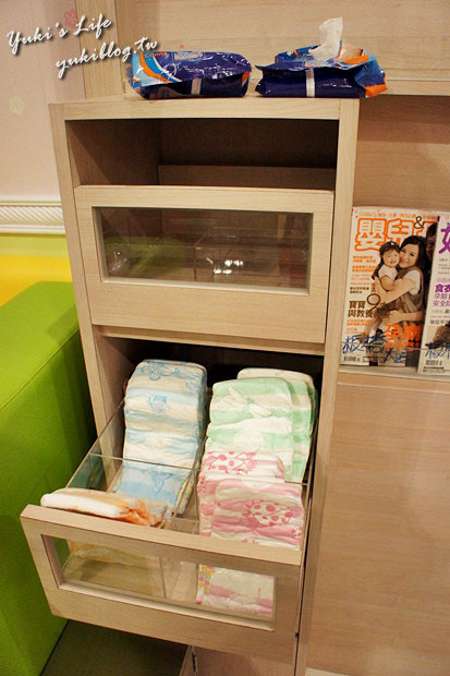 [板橋_食]*大遠百【法藍四季蛋糕】 & 大遠百育嬰室 - yukiblog.tw