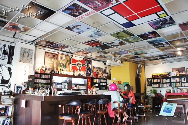 三峽白光白熱咖啡館