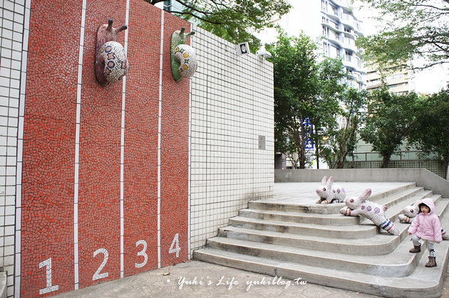 捷運中山站_線型藝術公園