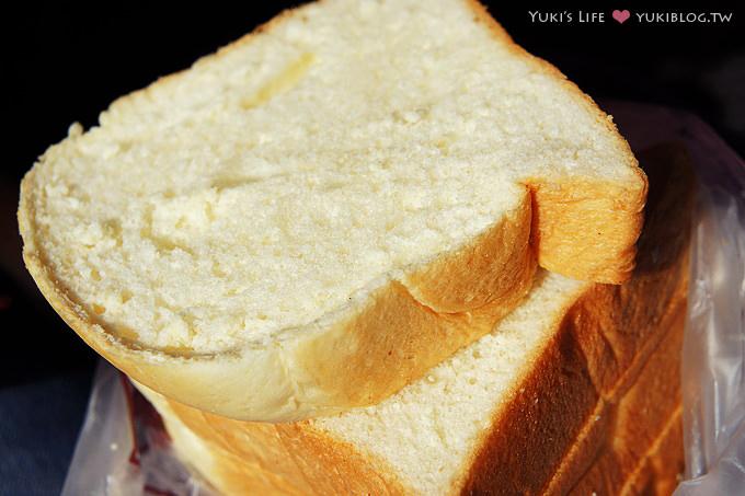 [台南美食]*嘉芳吐司‧濕潤柔軟奶味香濃  (內行的才知道.專賣吐司麵包店) - yukiblog.tw