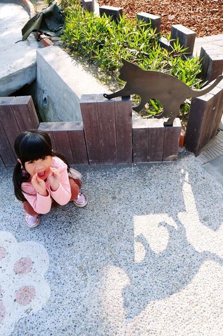 雲林虎尾新景點【貓咪小學堂×屋頂上的貓】立體互動彩繪村~貓咪上課了! - yukiblog.tw
