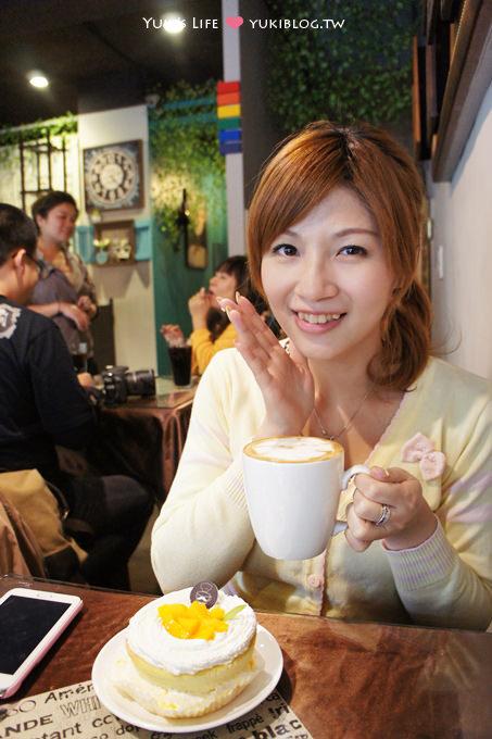 桃園中壢美食┃Rainbow PaPa咖啡下午茶‧超好吃的香蕉卡士達和芒果先生‧招牌拉花也好古鏙!   Yukis Life by yukiblog.tw
