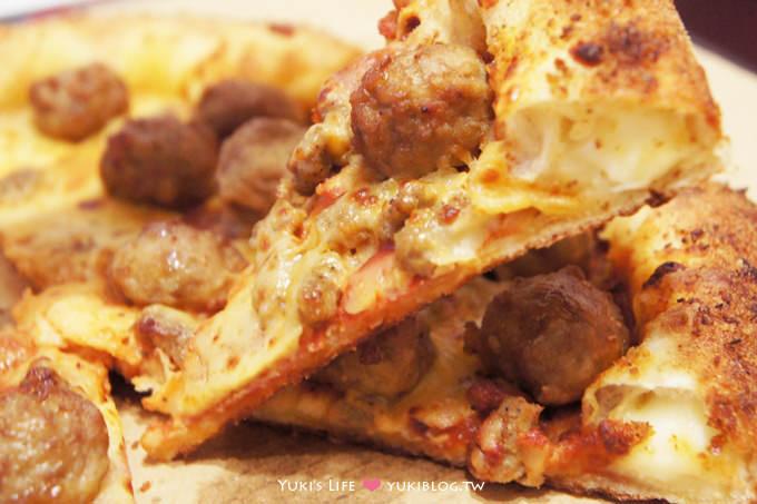 達美樂義式霸丸披薩×帕瑪滋心餅皮 » 當丸子遇上Pizza  (新口味試吃) - yukiblog.tw