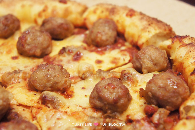 達美樂pizza義式霸丸披薩+帕瑪滋心餅皮
