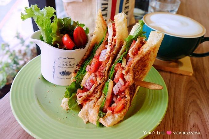 板橋江子翠早午餐【翻桌吧Turning Table BRUNCH】菜色豐富、咖啡好大杯