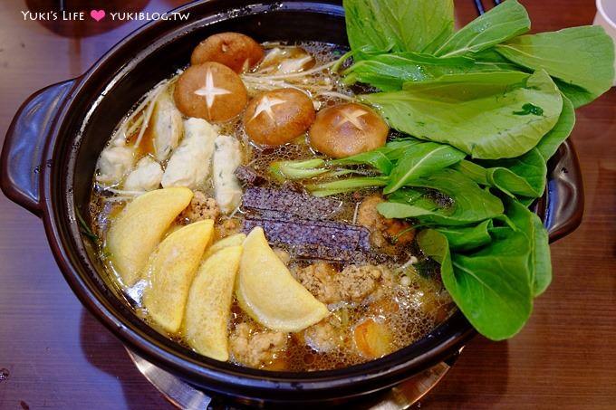 芦洲美食【兰正鸡煲王】新开幕广式鸡煲锅×干锅吃完加高汤变火锅