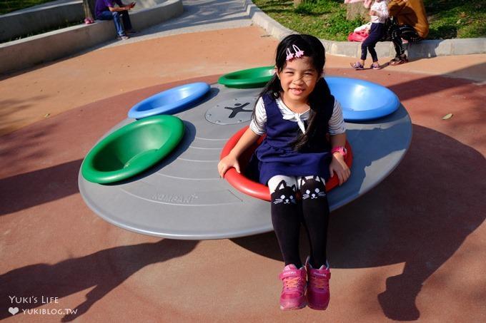 巨城週邊免費親子景點【新竹中央公園】特色兒童主題沙坑溜滑梯×網狀盪鞦韆 - yukiblog.tw