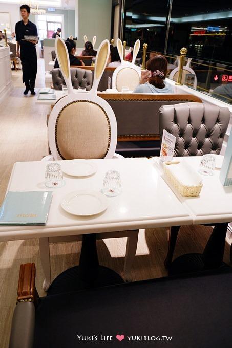 台北美食【Dazzling Cafe Kiwi】哇!有兔子耳朵椅❤台北車站微風廣場店 - yukiblog.tw