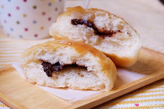 新手烘焙【五分鐘免揉麵包】NO1-台式免揉蔥花麵包、免揉巧克力餡小圓麵包 (甜麵團配方、筆記、作法) - yukiblog.tw