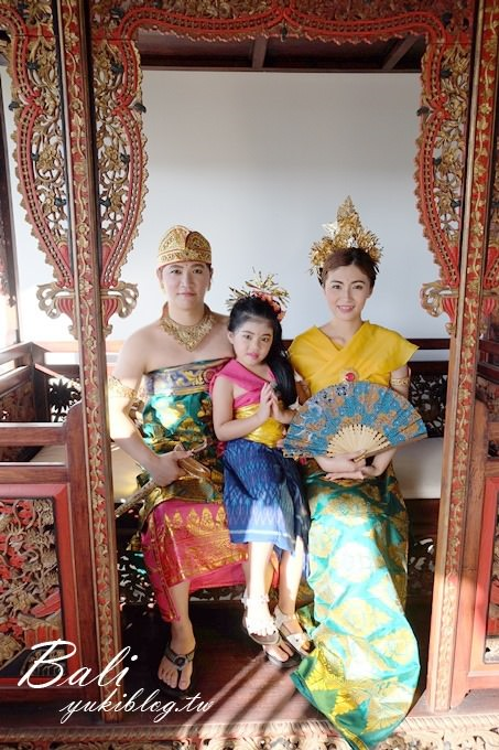 巴里島/峇里島沙努飯店【蘇達瑪拉套房別墅SUDAMALA Suites & Villas】兩人四手SPA&體驗印尼傳統服裝