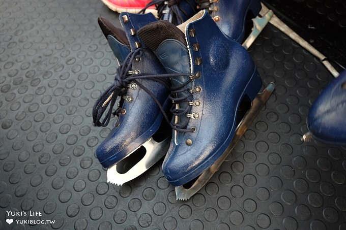 台北免費親子景點【中國信託金融園區滑冰場】下雨也能玩!冬季限定滑冰樂趣! - yukiblog.tw