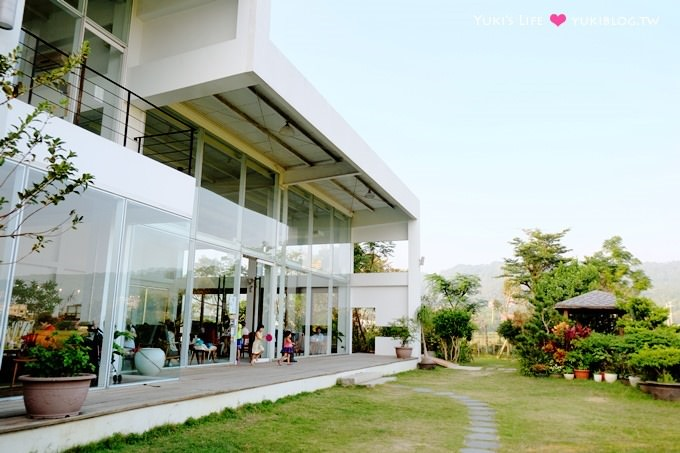 新竹竹北景观餐厅【喜木咖啡】玻璃屋大庭院田野咖啡馆×亲子好去处