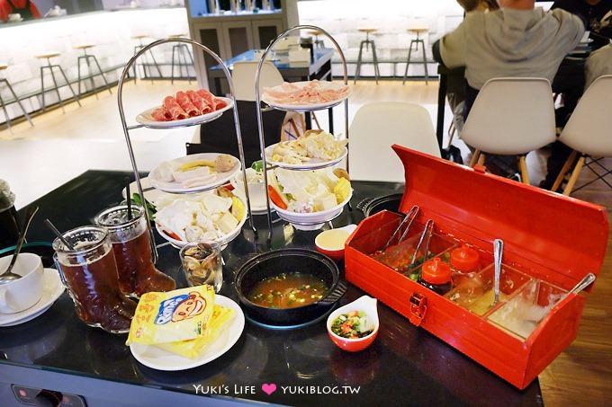 台中中區【小鍋mini hotpot】工具箱醬料×下午茶架菜盤小火鍋(什麼都迷你的涮涮鍋店)