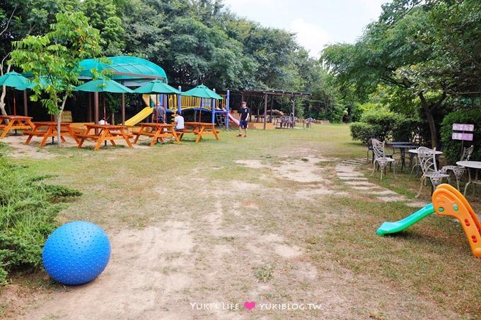 新竹景點【松湖畔咖啡館】大草皮玩沙親子餐廳~釣魚、落羽松湖景