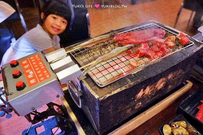 機場捷運新莊副都心站【鑽木取火日式燒肉】轉呀轉串燒機的吃到飽火鍋烤肉店(一次只能烤三串)