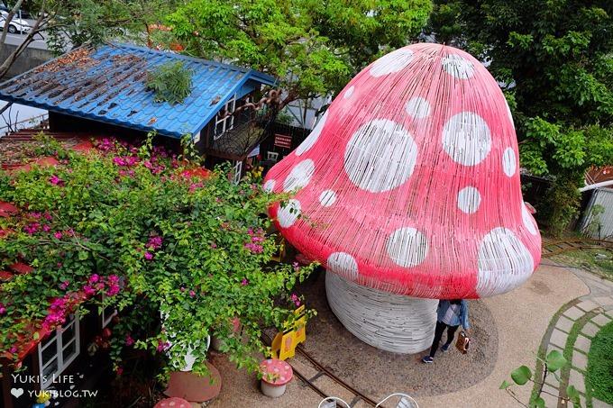 台中親子景點【大坑紙箱王】蘑菇溜滑梯×鐵線空中步道超夢幻(玩水約會景點) - yukiblog.tw