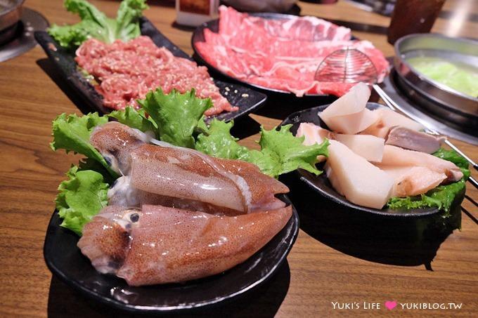 新莊【樂崎火鍋RAKUSAKI】頂級翼板牛排肉切片只要$300、菜盤可換肉盤、質感與價格都滿意平價火鍋推薦