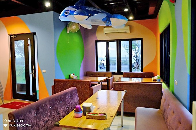 宜蘭景點【蘭陽溪口親子咖啡館】親子餐廳 室內球池溜滑梯×戶外草皮沙坑放電好去處》🌵 - yukiblog.tw