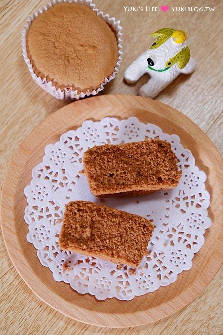 新手烘焙【基礎海綿蛋糕/DIY草莓布丁生日蛋糕/古早味雞蛋布丁】全蛋法 VS 分蛋法 - yukiblog.tw