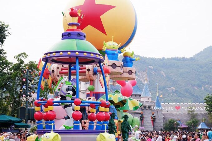 香港自由行┃香港迪士尼樂園III‧雪亮聖誕(真的下雪了)、迪士尼飛天巡遊行、星夢奇緣煙火表演~三大夢幻華麗的回憶!   Yukis Life by yukiblog.tw