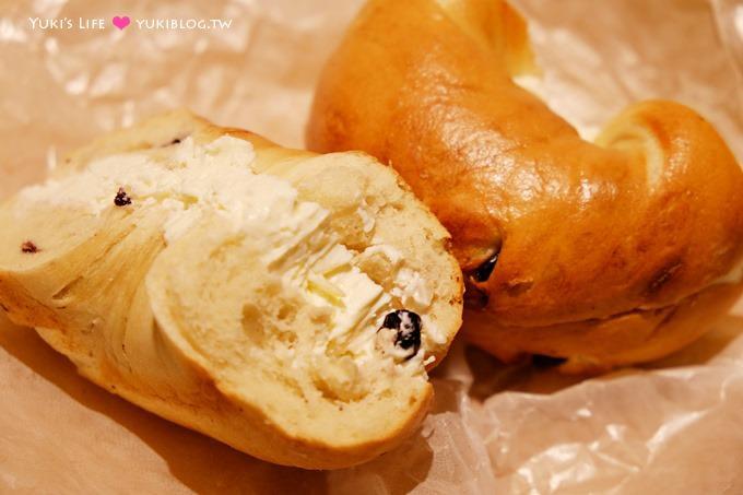 首尔自由行【Queens Bagel】梨花大学排队美食超过十种乳酪抹酱贝果&梨大赏樱 - yukiblog.tw
