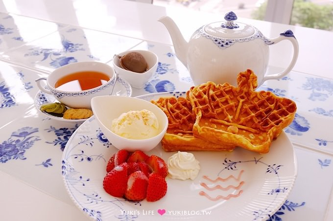 台北食記【皇家哥本哈根咖啡輕食】丹麥名瓷下午茶、皇冠造型鬆餅好看好吃 @板橋大遠百(已搬遷)