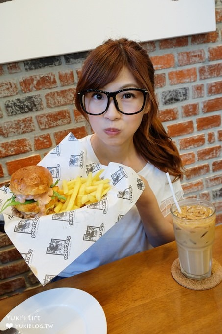 曼谷美食【Schnitzel's】隱藏版好吃漢堡美式餐廳