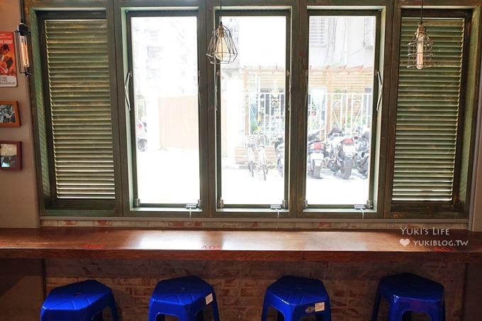 台北台電大樓美食【泰街頭】泰國攤子搬進店裡×燒烤雞腿飯好銷魂×一秒到泰國的感覺呀! - yukiblog.tw