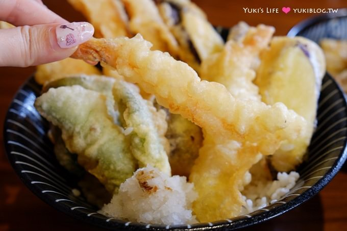 台中美食【空海拉麵】穿圍兜吃拉麵~日本連線連鎖口味❤ - yukiblog.tw