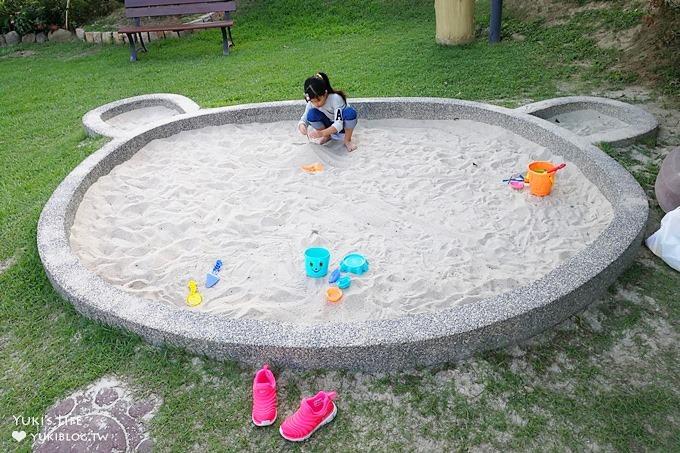 苗栗景點【儷池咖啡屋Leisure】草皮大庭院兒童遊戲區×沙坑、魚池、溜滑梯 - yukiblog.tw