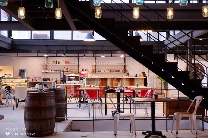 台北【留夏咖啡Stay-cafe】看海工业风咖啡厅×看海餐厅(就在三芝草泥马伊亚咖啡旁) - yukiblog.tw