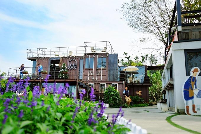 嘉義親子景點【幸福山丘HappyHill】大草皮貨櫃屋景觀餐廳×烘焙、甜點、早午餐×賞油桐花、落羽松好去處