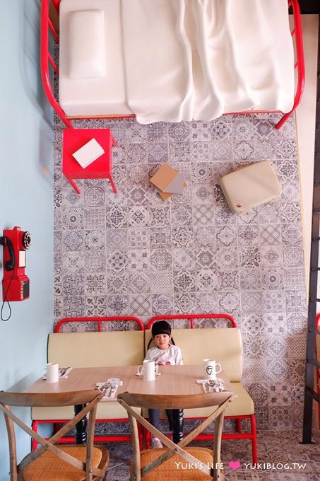 台中逢甲住宿推薦【福星旅店 Hotel Se7en 、7 Hotel】平價飯店、近逢甲夜市10分鐘、有停車場vs露天花園
