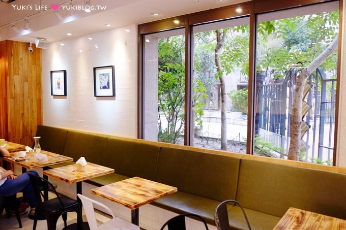 樹林美食【咬一口漢堡M&M Burger】米蘭最新早午餐×可以看到松鼠的綠景餐廳×樹林火車站美食 - yukiblog.tw
