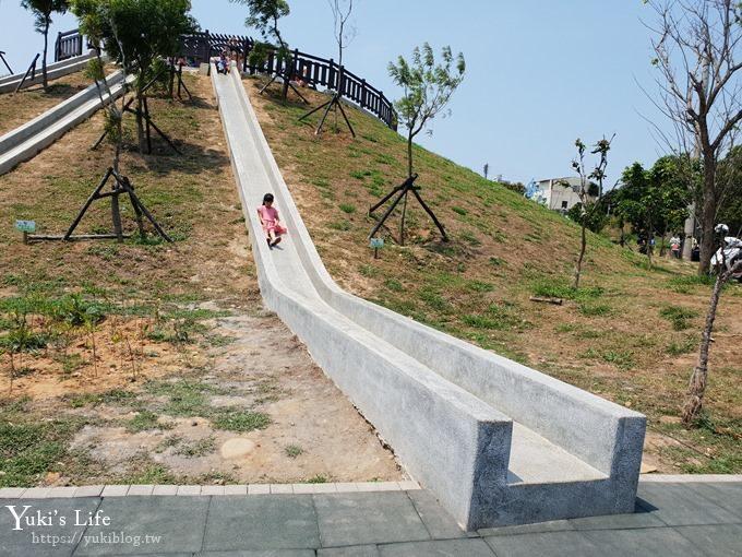 台中景點【大雅中科公園】三道山丘磨石子溜滑梯×沙坑、野餐、騎腳踏車親子景點