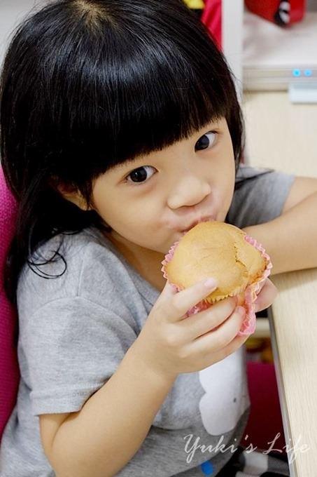 新手烘焙【戚風蛋糕】原味戚風&巧克力戚風 ~ 經典又耐吃❤ - yukiblog.tw