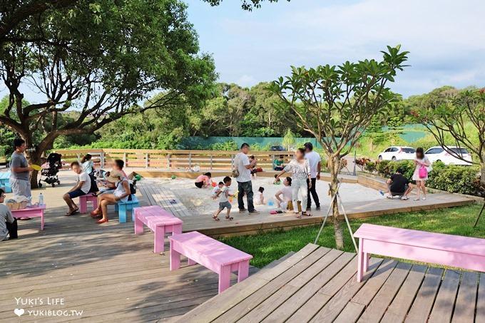 新竹親子景觀餐廳【綠芳園咖啡庭園餐廳】超大草皮玻璃屋×大沙坑、小火車、餵魚、滾草皮的假日親子好去處 - yukiblog.tw