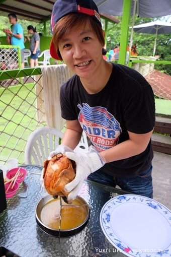 萬里【淺沐道休閒農場】石板烤肉、溪邊玩水、山泉泳池一次擁有!乾淨豐富套餐+放山桶仔雞超好吃超推薦!(親子好去處) - yukiblog.tw