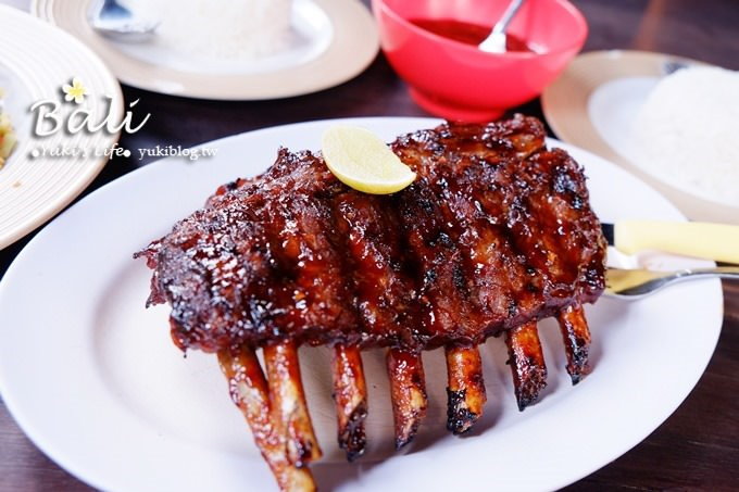 峇里島烏布必吃美食【NURI'S 豬肋排】超美味現烤豬肋排.肉嫩多汁~